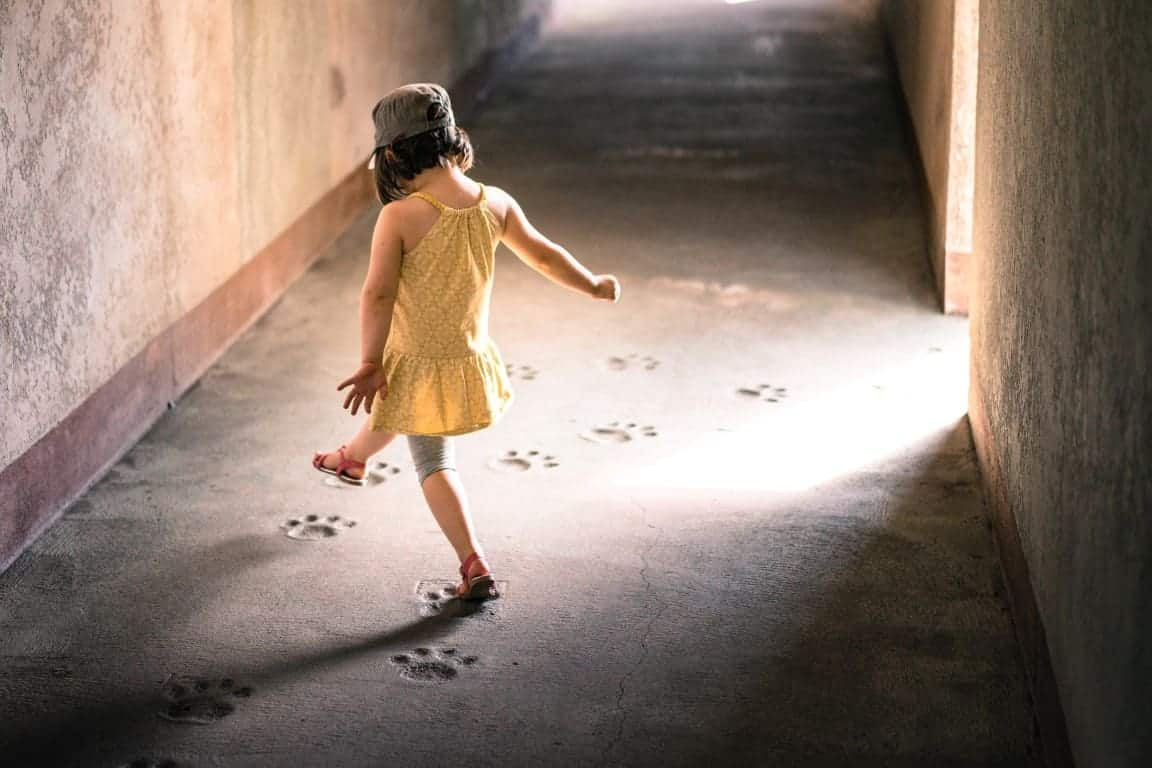 girl playing mindfully