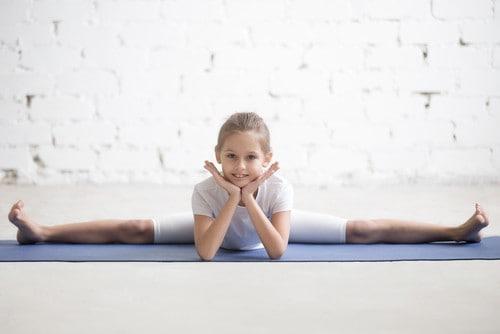 girl doing yoga - teaching meditation course